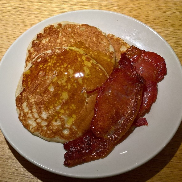 Pancakes with Bacon and Syrup