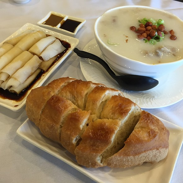 Congee, Rice Roll & Chinese Donut