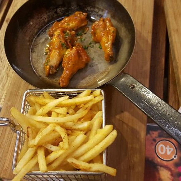 Chicken Wings @ Rocomamas Mall of Africa