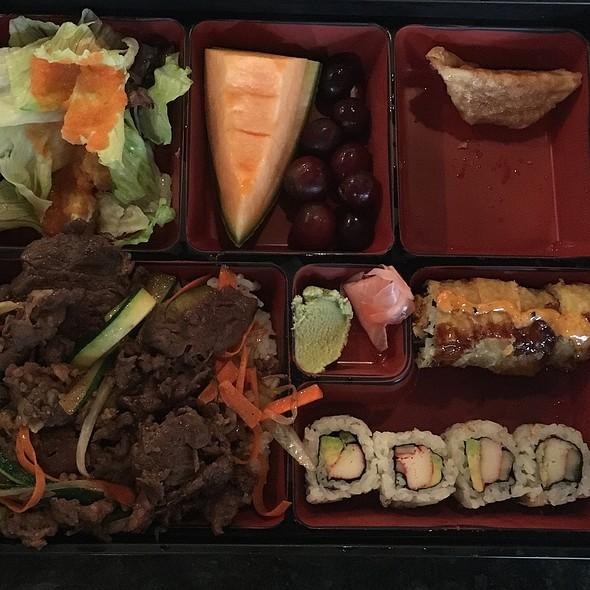 Bento Box With Beef Bulgogi