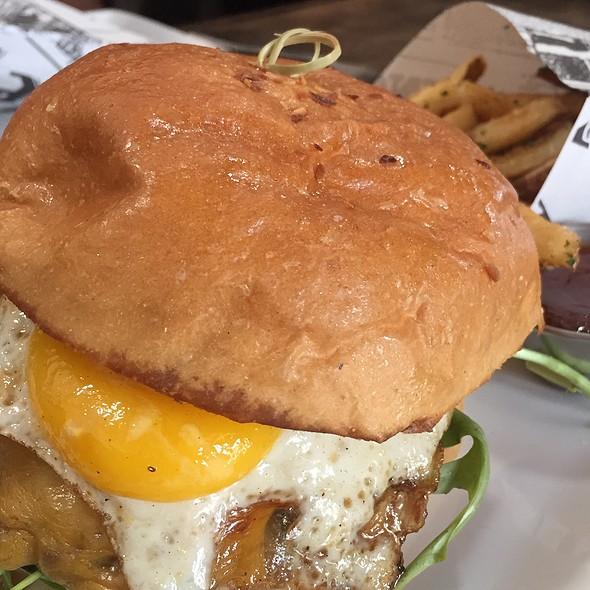 Bacon And Egg Burger @ The Hoppy Monk