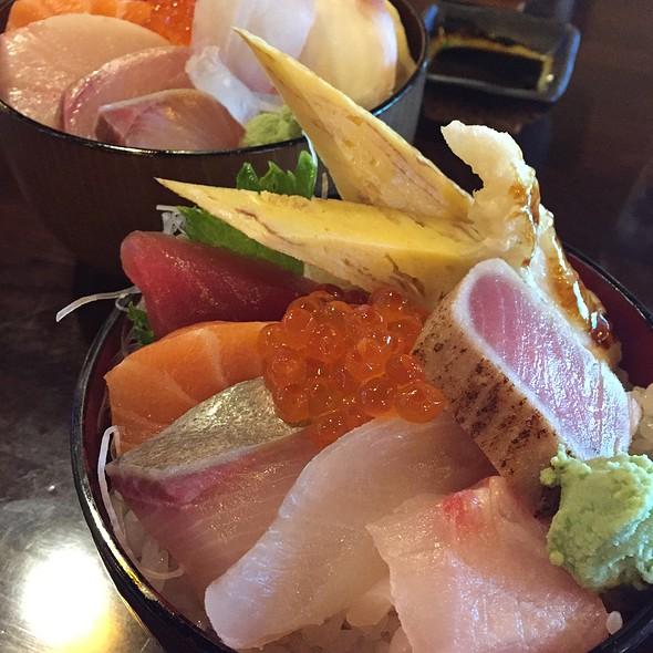 Chirashi Sushi @ Circle Sushi