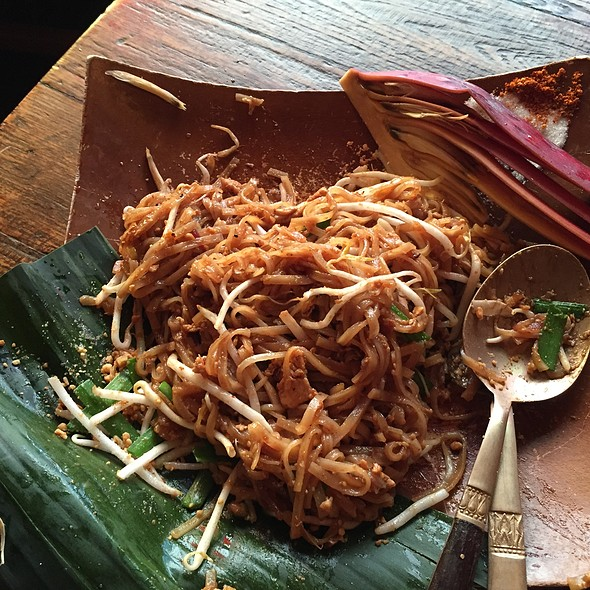 Phad Thai - May Kitchen + Bar, Vashon, WA