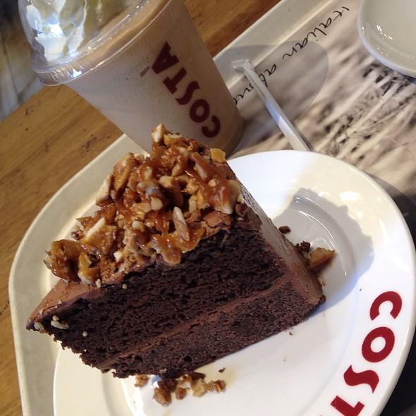 Something Fudge Cake @ Costa Coffee