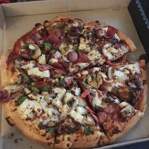 Supreme Pizza @ Domino's Pizza Glebe
