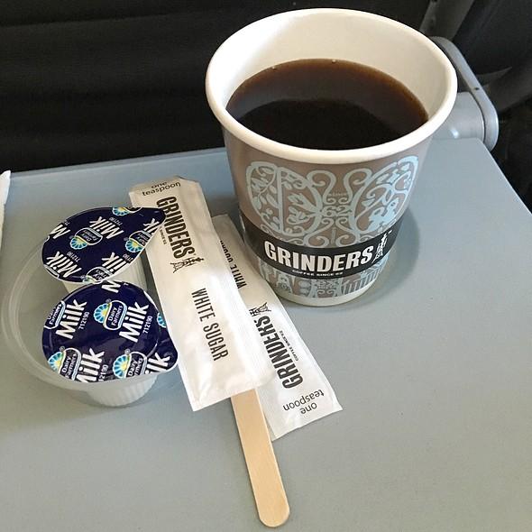 Grinders Coffee @ Jetstar Flight JQ601 SYD to AVV
