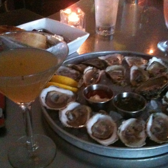 Buck A Shuck Tuesdays & A Verani Martini (Basil Infused Vodka - Jumpin Jays Fish Cafe, Portsmouth, NH