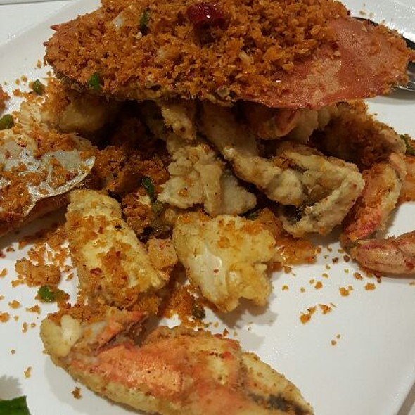 Hong Kong Style Dungeness Crab @ Regal Seafood Lounge