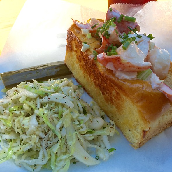 lobster roll @ The Canteen