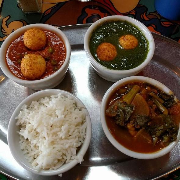 North Indian Sampler  @ Annapurna's World Vegetarian Cafe