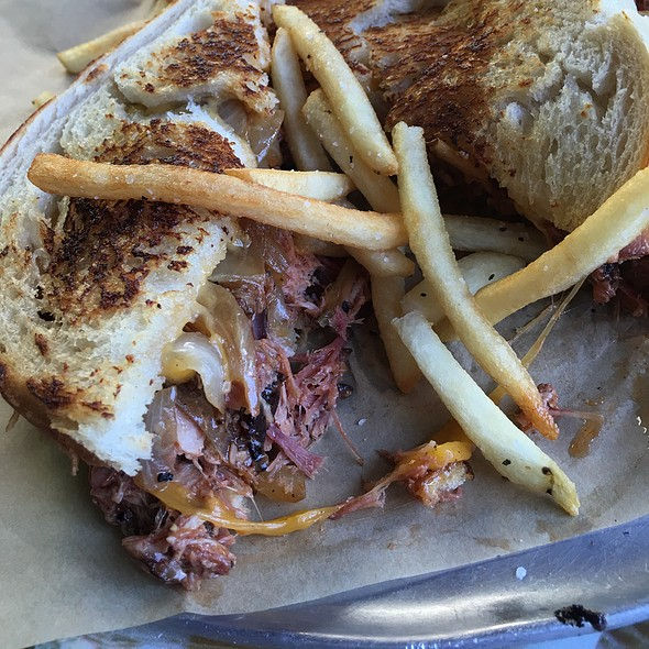 Pulled Pork Grilled Cheese @ Schellville Grill