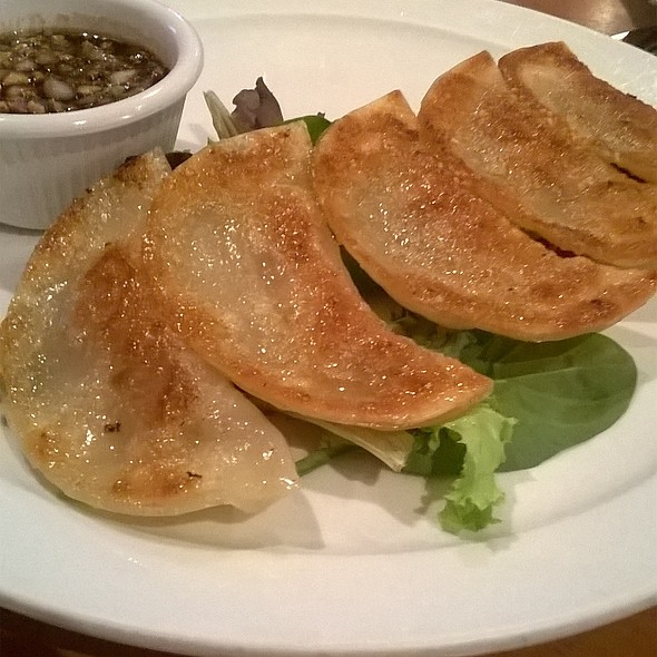 potstickers @ Fat Choy Lv