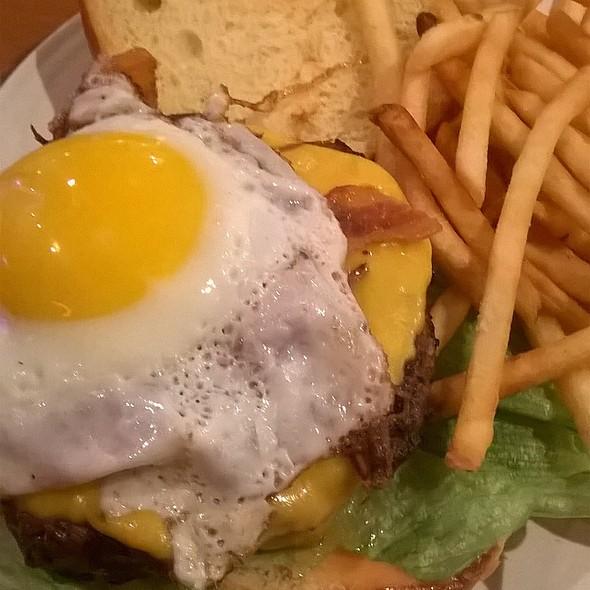 Fat Choy Burger @ Fat Choy Lv