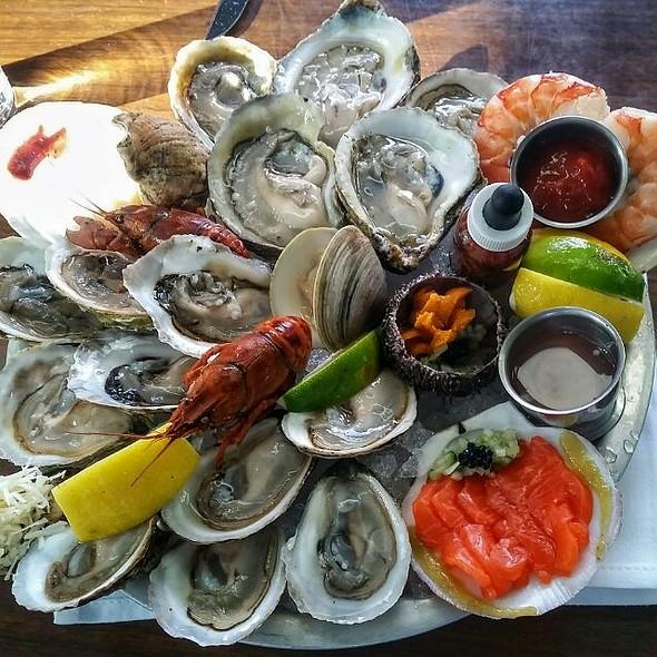 Seafood Platter @ Notkins