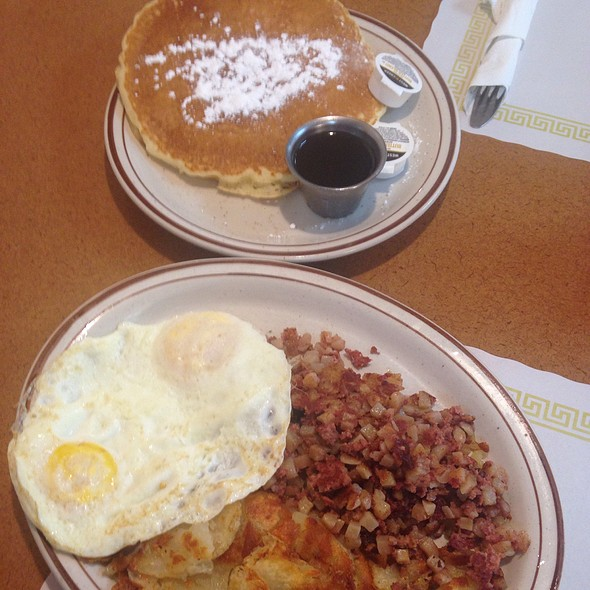 Corned Beef Hash and Eggs @ Top Notch Family Restrant