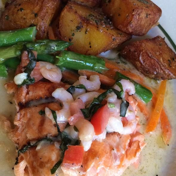 Grilled Washington Steelhead - Jake's Famous Crawfish, Portland, OR