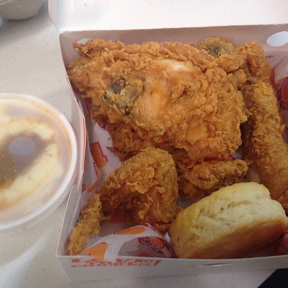 4pc Chicken Combo Meal @ Popeye's Louisiana Kitchen