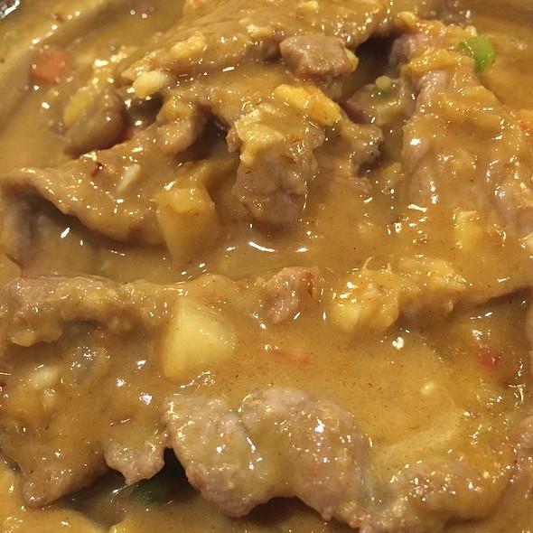 Curry Beef Vermicelli Claypot @ 鼎珍坊