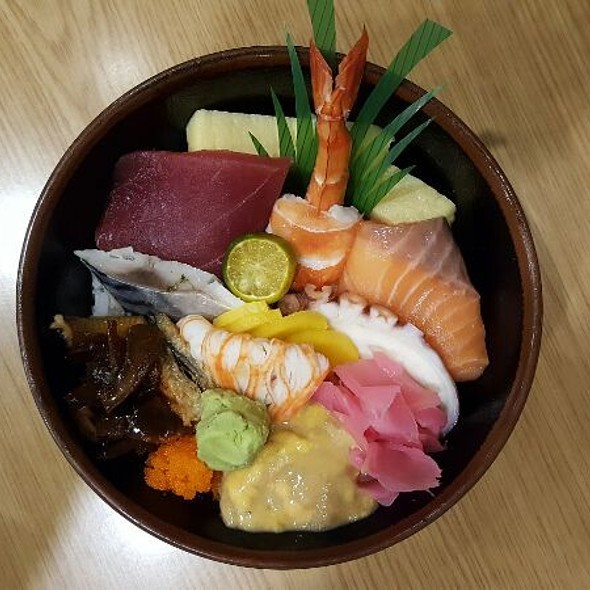 Chirashi Don @ Sushi Ninja Restaurant And Sushi Bar