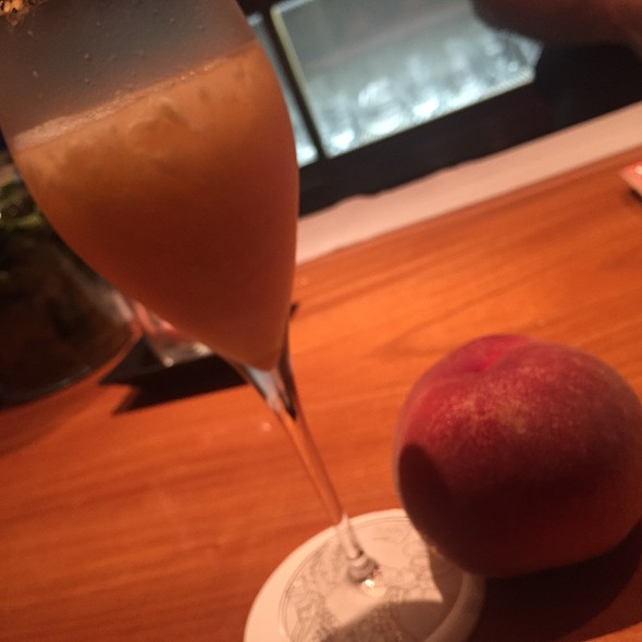 Peach Bellini @ BAR ORCHARD GINZA