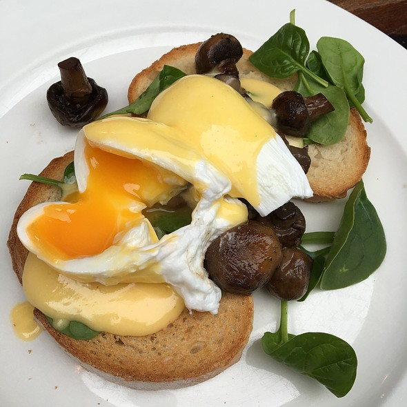 Egg Benedict @ page 27 ...cafe