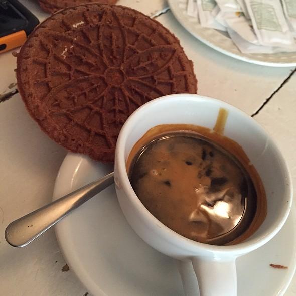 Café Bombon @ Latte Que Latte