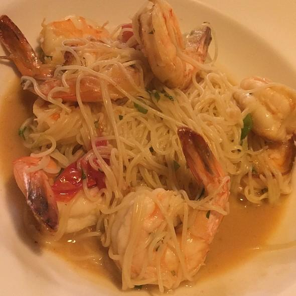 Shrimp Scampi @ Tavola