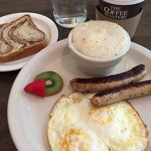 Eggs And Sausage @ The Hummingbird