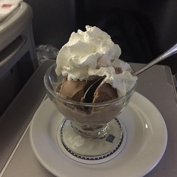 Chocolate Sund @ United Airlines