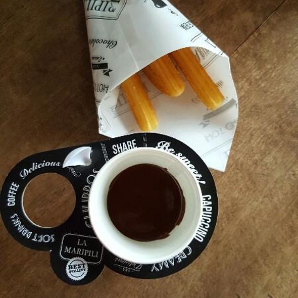 Churros con Chocolate @ La Maripili ALABANG