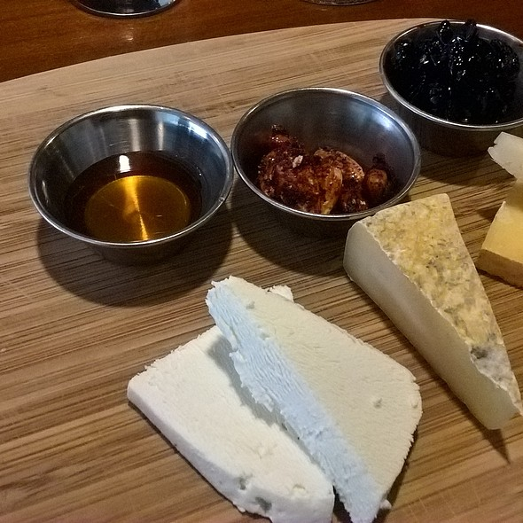 Cheese Trio @ Tria Taproom