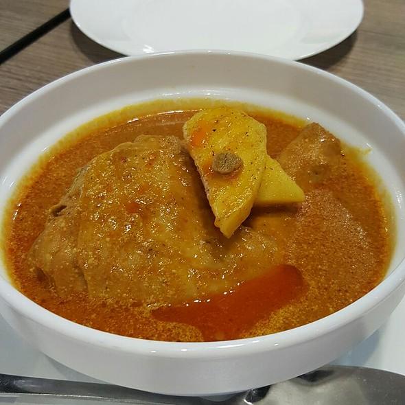 Chicken Curry @ Merlion's Cuisine
