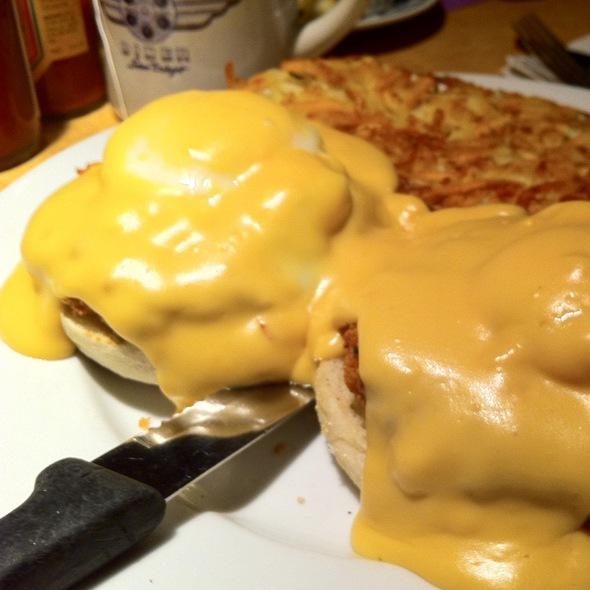Crab Cake Benedict @ Studio Diner