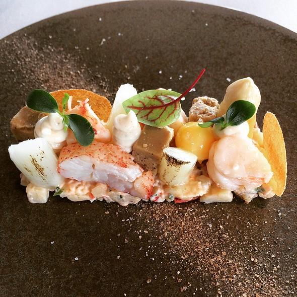 Lobster @ VISTA Restaurant Food Bar