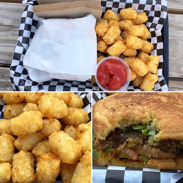 Bac'n Cheeze Burger @ Arlo's