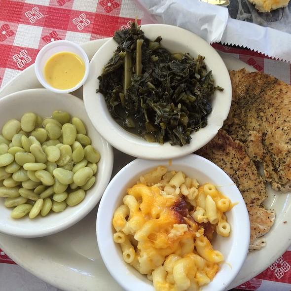 Greek Chicken & 3 Sides @ Nathan's Restaurant, Columbia, SC