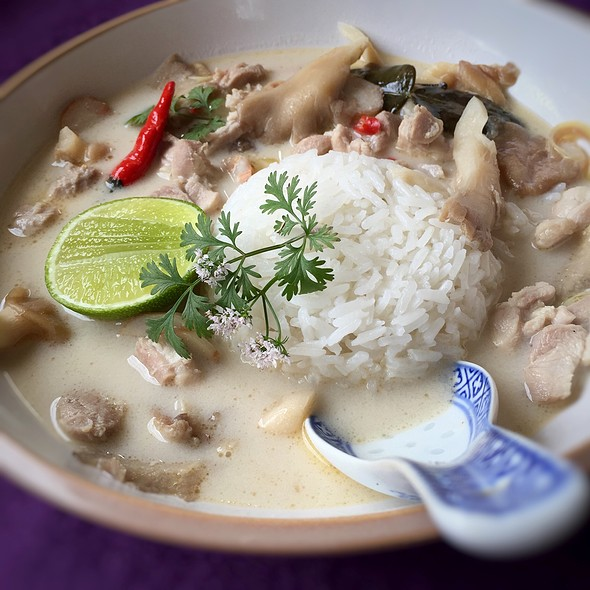 ต้มข่าไก่ | Tom Kha Gai  @ Little Venice Country Park