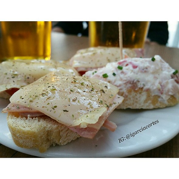 Cañas Y Tapas... @ Restaurante La Taberna de Curro Castilla