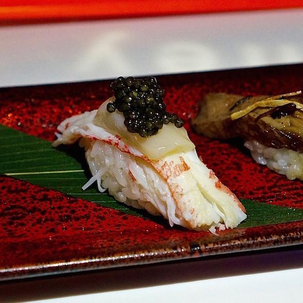 Nigiri –albacore toro, Northern divine caviar, snow crab & scallop, torched wagyu beef