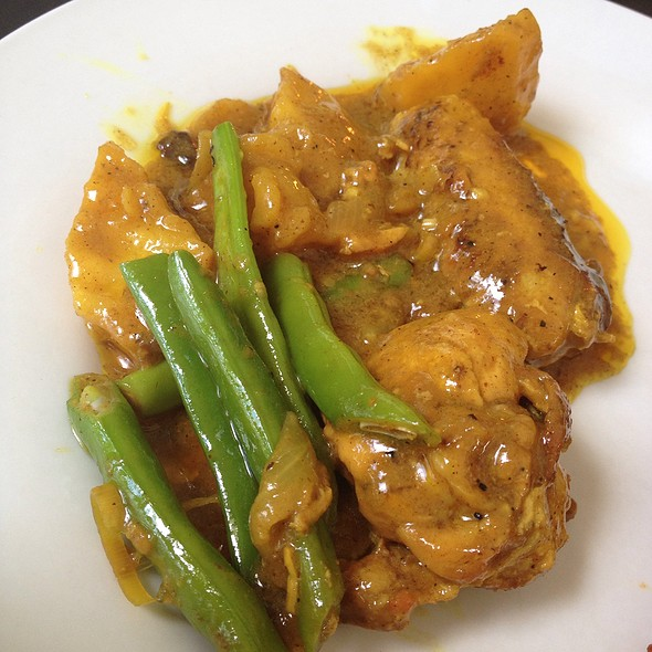 Chicken Curry @ La Luz Beach Resort