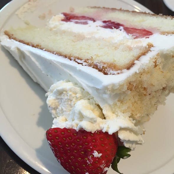 strawberry shortcake @ Farmview Market