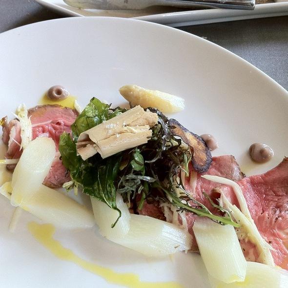 Salade Kalfsrib/Asperges/Eendeleverkrul @ Restaurant Vuur