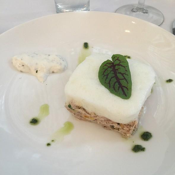 Crab And Endives Salade, Lemon And Dijon Vinaigrette - Sinclair, Montréal, QC
