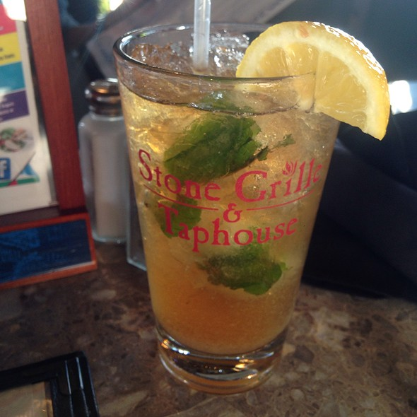 Spiked Peach Tea @ Stone Grille And Taphouse