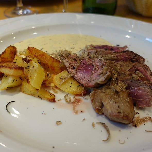 Duroc Porc, Tomatoes, Truffle Mayonnoaise @ La Ruchetta