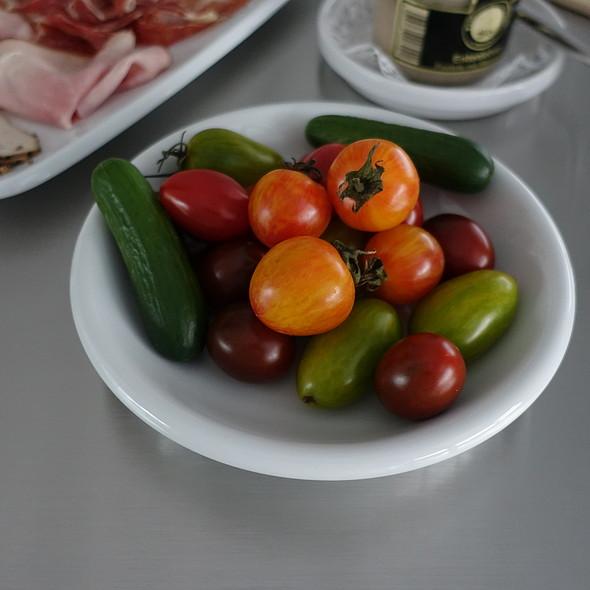 Tomatoes @ Edeka Zurheide Center Düsseldorf