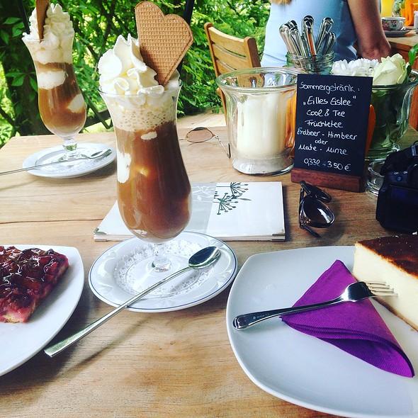 Iced Coffee And Cheesecake @ Maiwerts Restaurant Vinothek