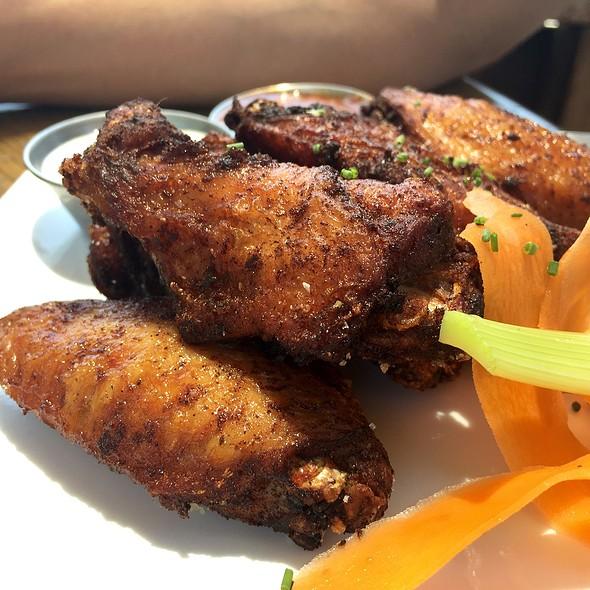 Chicken Wings @ HopScotch