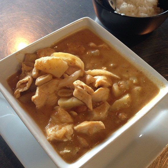 Mussaman Curry @ Aung's Bangkok Cafe
