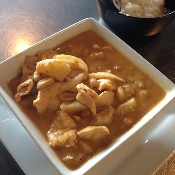 Mussaman Curry @ Aung's Bangkok Cafe